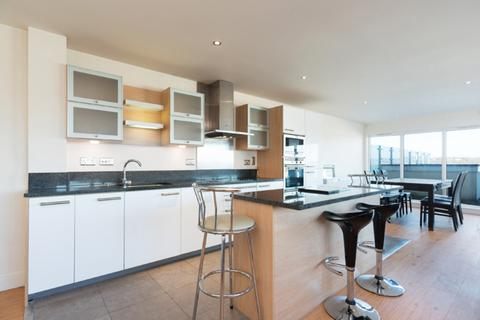 3 bedroom penthouse for sale - Beaufort Park, Colindale, London NW9