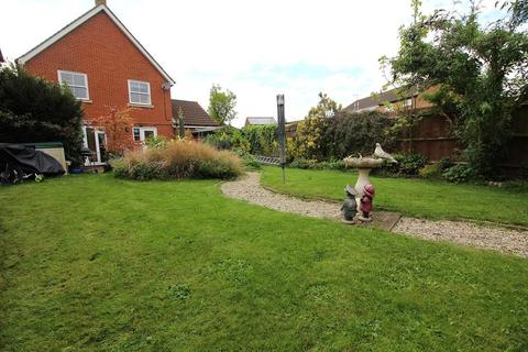 3 bedroom detached house for sale - Tapley Road, Chelmsford, Essex, CM1