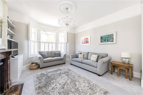 4 bedroom end of terrace house to rent - Foxbourne Road, London, SW17