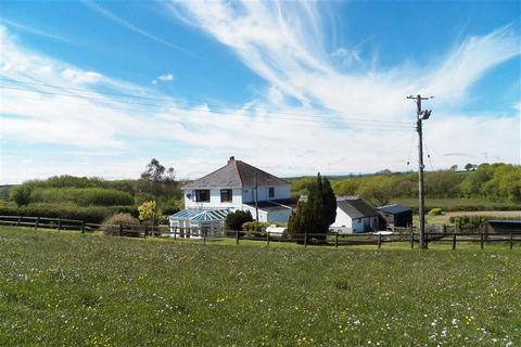 3 bedroom property with land for sale - Llangyndeyrn, Kidwelly