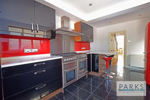 4 bedroom terraced house to rent - Payne Avenue, Hove BN3