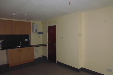 2 bedroom apartment to rent - Alma Road, Rochdale, OL12