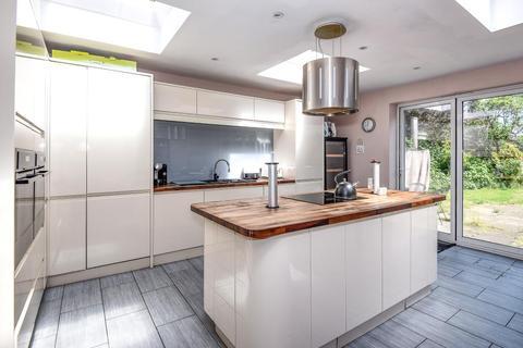 4 bedroom detached bungalow for sale - Ruislip, Hillingdon, HA4