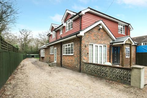 6 bedroom detached house for sale - Copthorne Road, Crawley, West Sussex, RH10