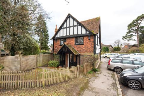 3 bedroom house to rent - Dungates Lane, Buckland, Betchworth, Surrey, RH3