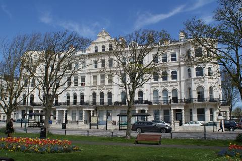 Studio to rent - Palmeira Mansions, 13 Church Road, HOVE BN3
