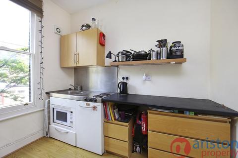 Studio to rent - Fairbridge Road, Archway N19