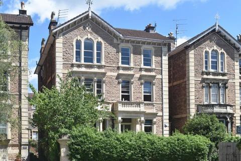 3 bedroom apartment for sale - Pembroke Road, Clifton