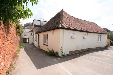 1 bedroom flat to rent - Cobham Mews, 3 West Street, Buckingham, MK18 1HL
