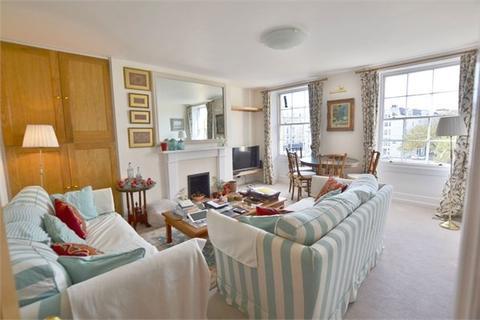3 bedroom flat to rent - Old Steine, BRIGHTON, BN1