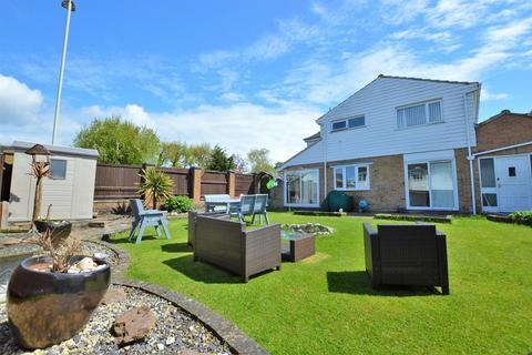 4 bedroom link detached house for sale - Netton Close, Wisgton, LE18 2RH