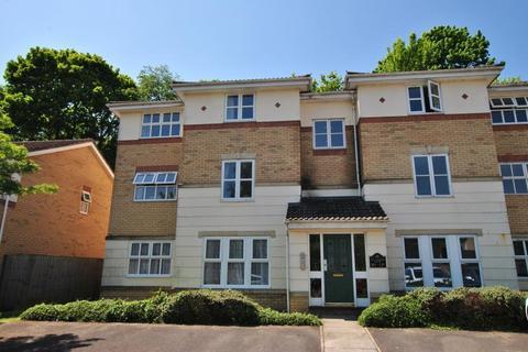 2 bedroom flat to rent - De La Warre Court, St. Annes Park, Bristol, BS4 4LQ