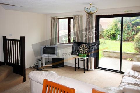 3 bedroom semi-detached house to rent - Hinchin Brook, Lenton, NOTTINGHAM NG7
