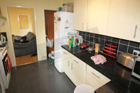 4 bedroom terraced house to rent - 100 Rothesay Avenue, Lenton, NOTTINGHAM NG7 1PW