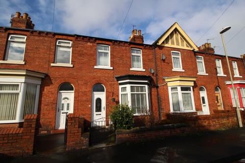 2 bedroom terraced house to rent - Rosebery Avenue, Scarborough, YO12