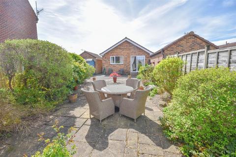 2 bedroom detached bungalow for sale - Squires Way, West Bridgford, Nottingham