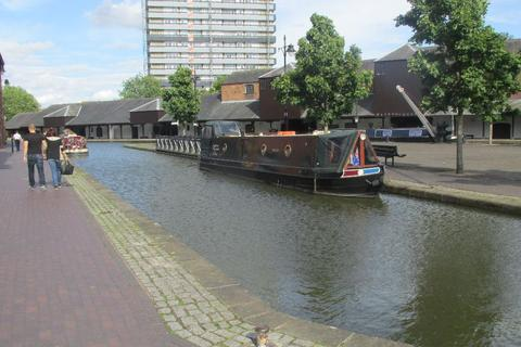 2 bedroom apartment to rent - Waterside Apartments