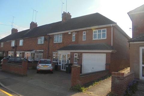 6 bedroom end of terrace house to rent - Strathmore Avenue