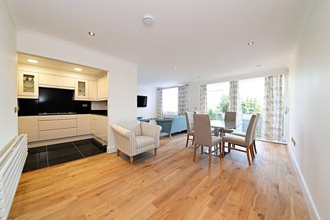 3 bedroom flat for sale - Regent Court, North Bank, London, NW8