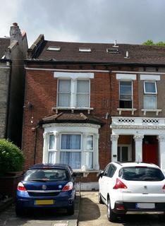 Studio for sale - Granville Road, Ilford, IG1