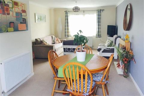 3 bedroom semi-detached house to rent - Whinchat Gardens, Bristol