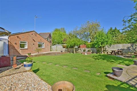 4 bedroom detached bungalow for sale - The Greenways, Paddock Wood, Tonbridge, Kent