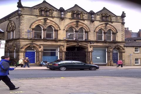 Property to rent - Huddersfield