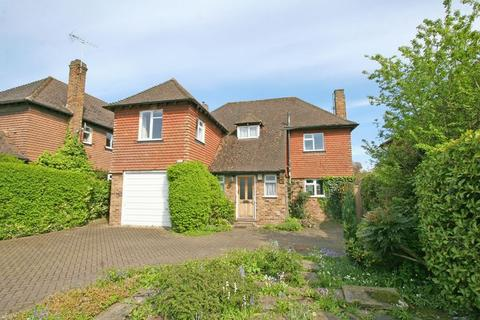 4 bedroom detached house for sale - Mayflower Way, Farnham Common