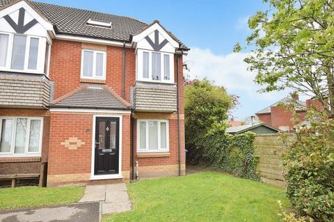 1 bedroom ground floor flat for sale - Needham Close, Runcorn