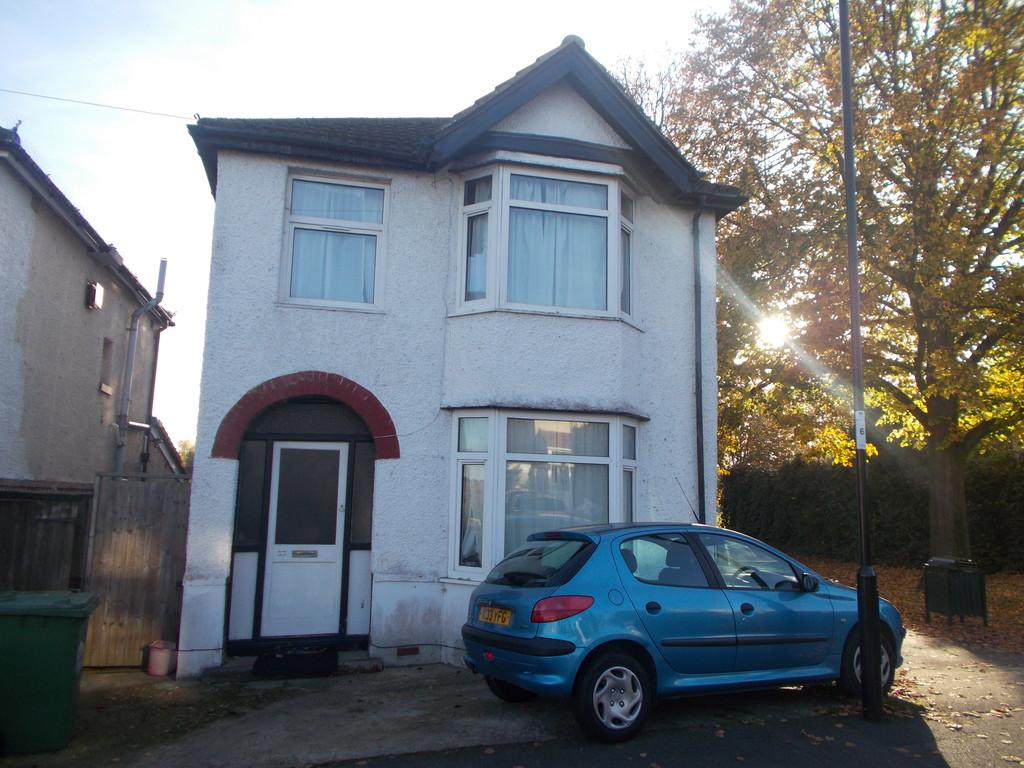 Kitchener Road, Southampton 6 bed terraced house to rent - £2,130 ...