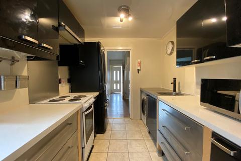 5 bedroom semi-detached house to rent - Harrison Road, Southampton