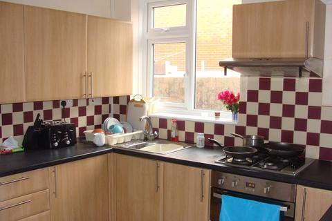 5 bedroom terraced house to rent - Shakespeare Avenue