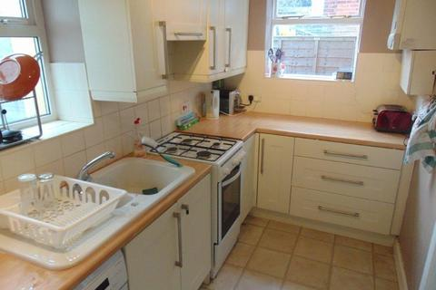 4 bedroom semi-detached house to rent - Sirdar Road, Southampton
