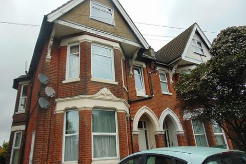 Studio to rent - Howard Road, Southampton