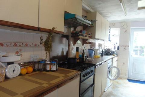 1 bedroom house share to rent - Tower Gardens