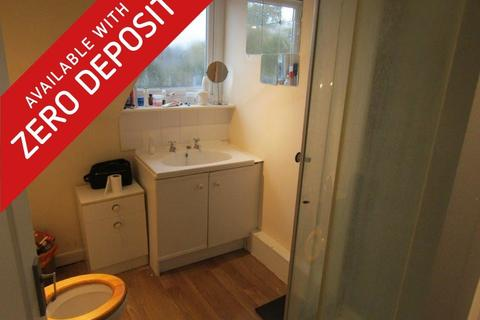 6 bedroom terraced house to rent - Carlton Road, Southampton