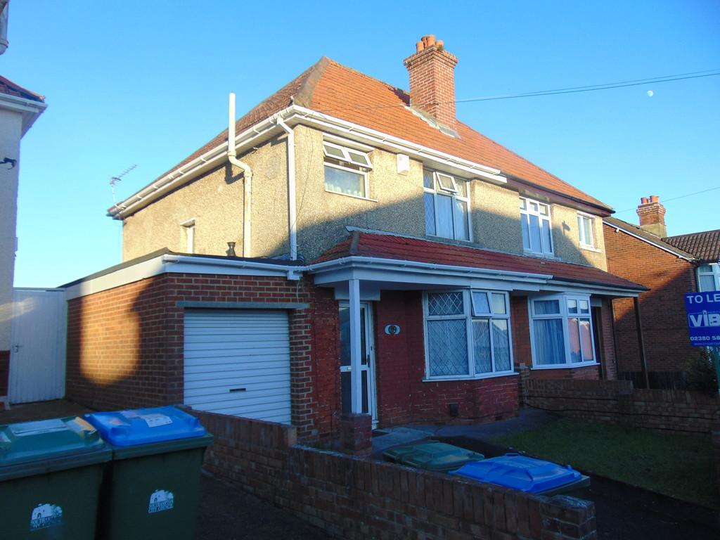 Kitchener Road, Southampton 4 bed semi-detached house - £1,625 pcm ...