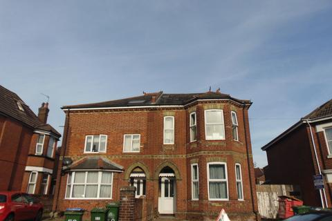 8 bedroom semi-detached house to rent - Alma Road, Southampton