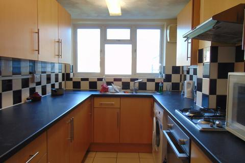 5 bedroom semi-detached house to rent - Portswood Road, Southampton