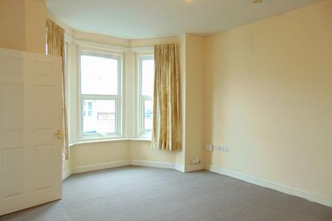 1 bedroom flat to rent - Bitterne Road West, Southampton