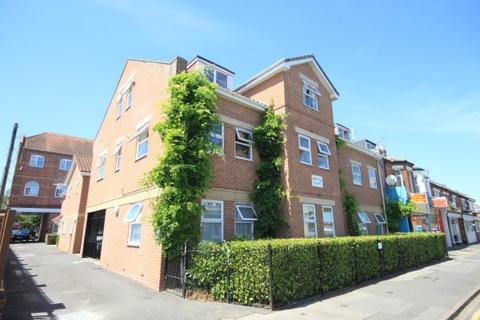 Studio to rent - Palmerston Road, Bournemouth