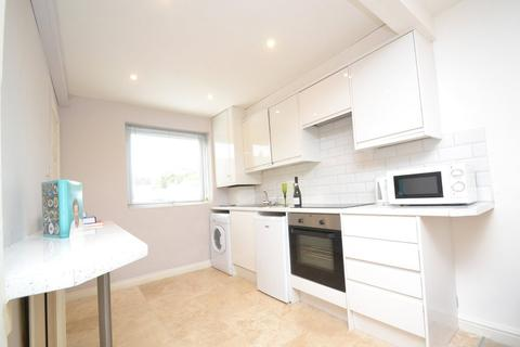 2 bedroom apartment to rent - Station Road, Horsforth