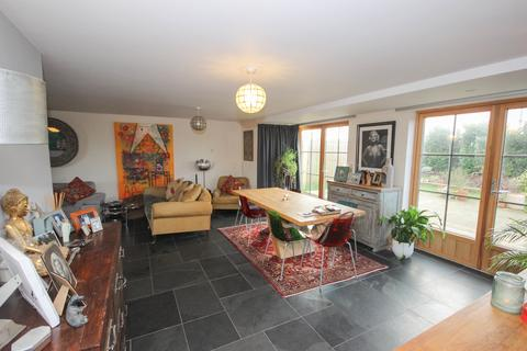 6 bedroom detached house to rent - Stonehouse Lane, BA2 5DW