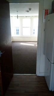 Studio to rent - Church Street, Paignton TQ3