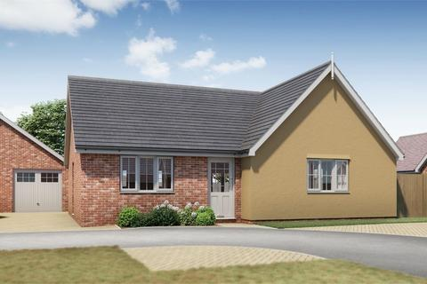 3 bedroom detached bungalow for sale - Clay Hall, Wyndham Crescent, Clacton-on-Sea, Essex CO1