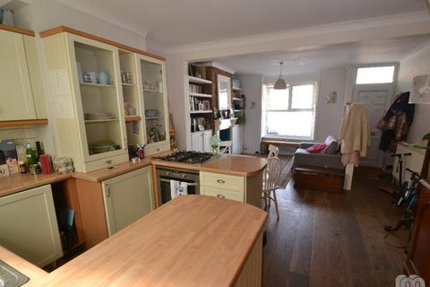 2 bedroom terraced house to rent - Ryde Road Brighton East Sussex BN2