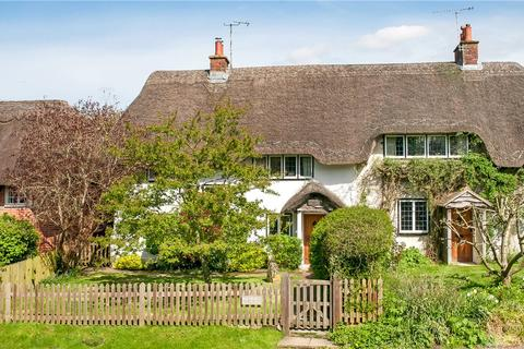 3 bedroom semi-detached house for sale - East Stratton, Winchester, Hampshire, SO21