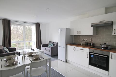 3 bedroom flat to rent - Flat 49, Samara Plaza, 205 Clarendon Road