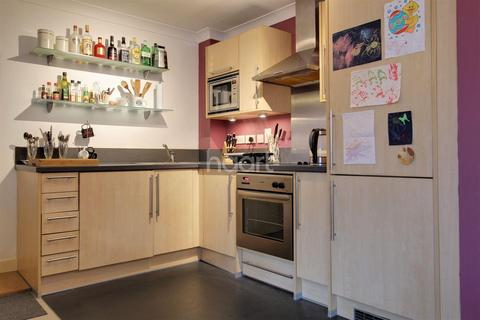 1 bedroom flat for sale - Sidestrand, Wherry Road