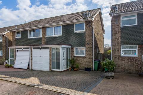 3 bedroom semi-detached house for sale - Conniston Ave, Folkstone